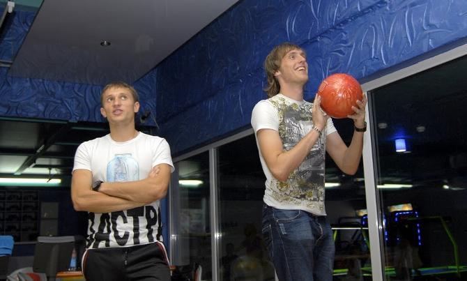 Павел Чесновский хорошо работает в тренажерке, а потому может брать шары потяжелее