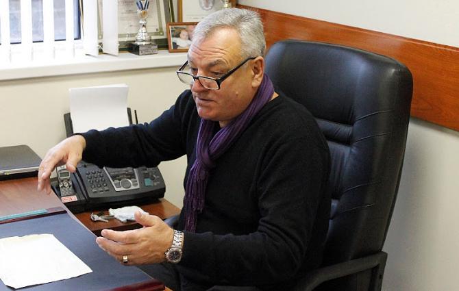 Анатолий Беляев рад, что его школа не входит в состав профессионального клуба