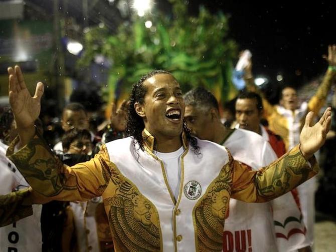 Роналдиньо обожает карнавалы