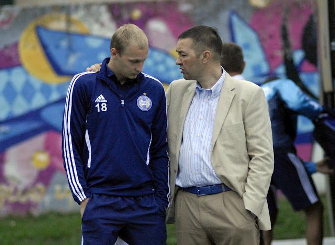 Анатолий Капский не считает правильным лечение игроков уровня национальной сборной в районной поликлинике