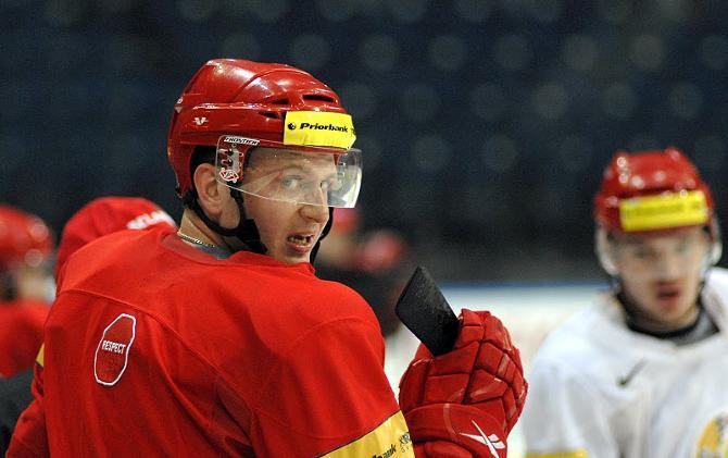Сергей Колосов оглядывается назад, но идет вперед.