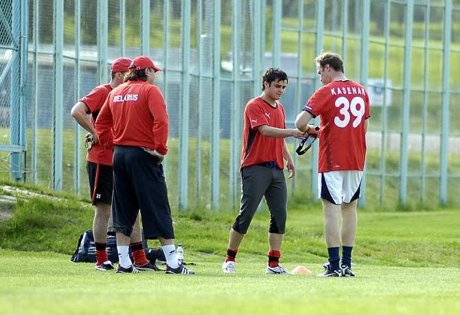 Накануне молодежного Евро за здоровьем Владимира Юрченко следили очень внимательно, но уберечься нападающему все равно не удалось