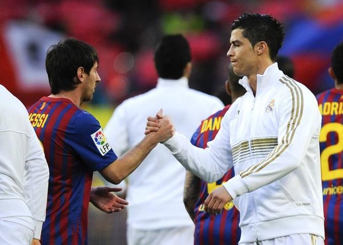 Минувший европейский клубный сезон прошел под знаком соперничества Месси и Роналду.