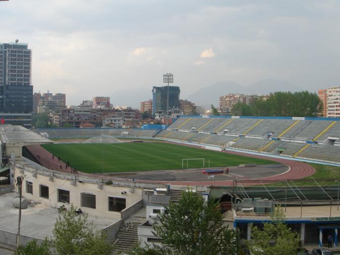 Стадион в Тиране, на котором белорусская сборная сыграет в субботу.