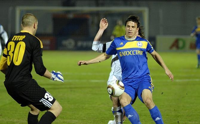 Марко Симич не только помогает команде не пропускать, но и помогает забивать.