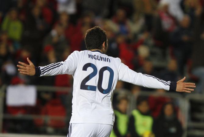 Гонсало Игуаин забил два и отдал два.