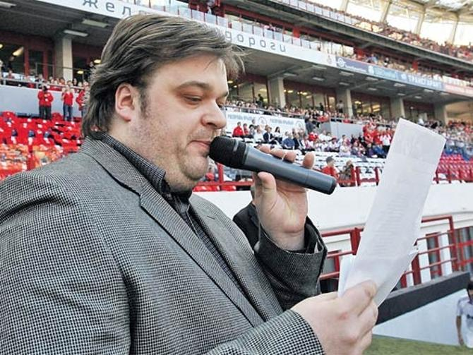 Василий Уткин один из самых отжиговых комментаторов России.