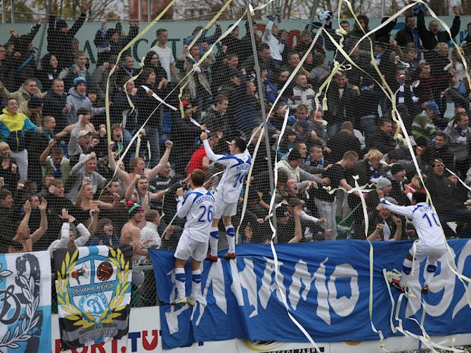 И в Беларуси можно смотреть футбол на чисто футбольном стадионе.
