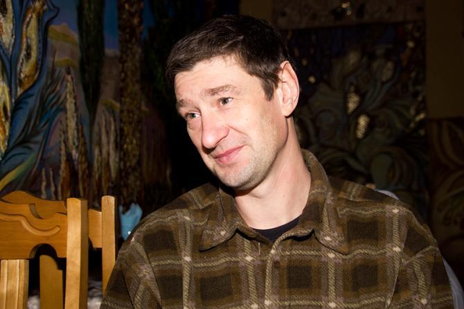 Сергей Убоженко хотел остаться в гандболе, но занимается сейчас отделкой квартир