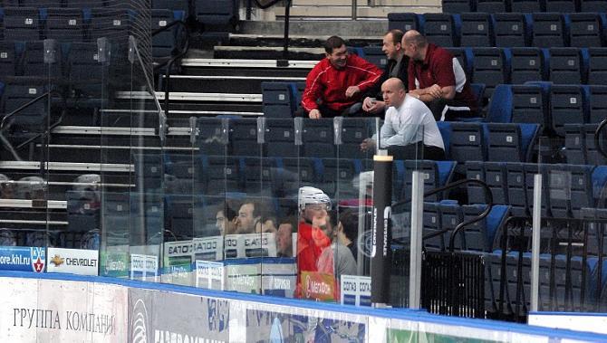 Владимир Копать (слева) в компании тренеров - бывших партнеров по сборной.
