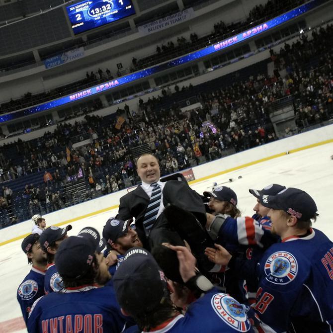 Качать Михаила Захарова - это в чемпионате Беларуси уже традиция.