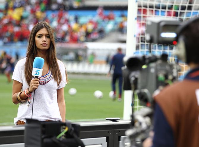 В Европе журналистка, рассказывающая о футболе, никого уже не удивляет