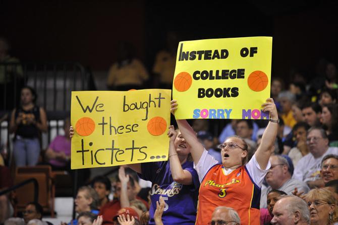 Женские баскетбольные матчи в американском первенстве собирают в среднем около 8 тысяч человек