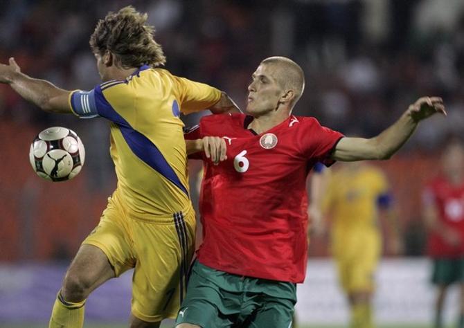 Чтобы вернуться в сборную, Дмитрию Ленцевичу необходимо уладить свои клубные дела