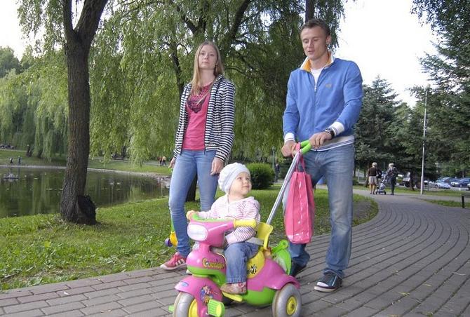 Виталий Родионов старается все свободное время проводить с супругой Валентиной и дочкой Машей