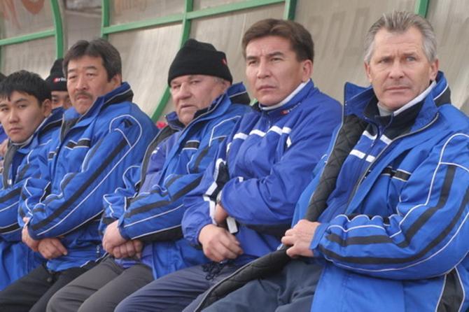 Леонид Остроушко (в шапке) – легендарный человек в Казахстане