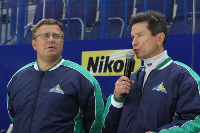 Вячеслав Быков и Игорь Захаркин (слева): слово не воробей