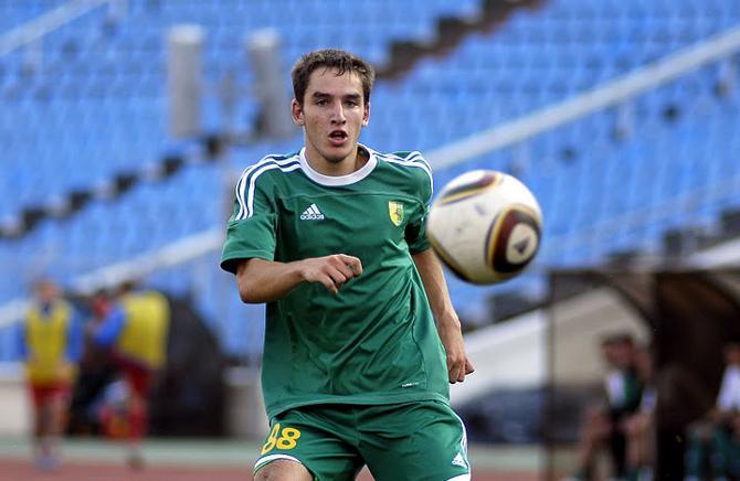 Павел Савицкий дебютировал в высшей лиге в 16 лет.