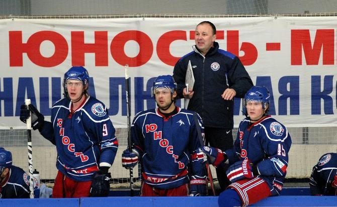 Одна из самых известных и успешных династий белорусского хоккея - Михаил и Константин Захаровы.