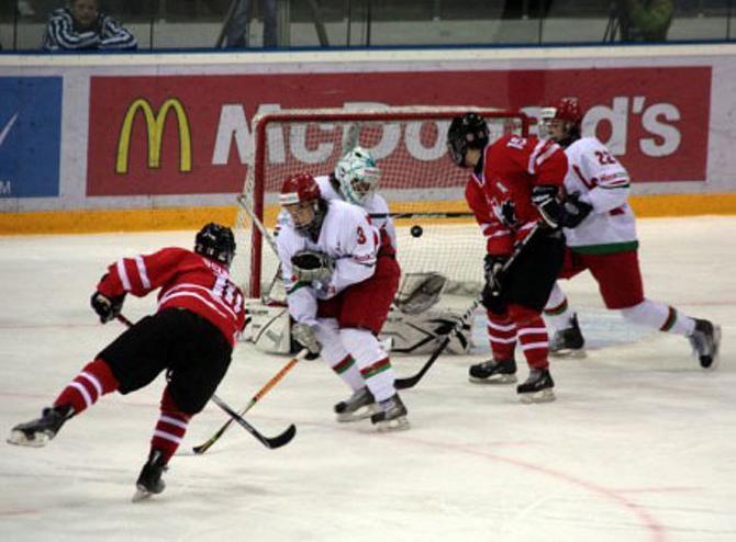 После провала на домашнем чемпионате мира интерес к белорусским хоккеистам как минимум не возрос