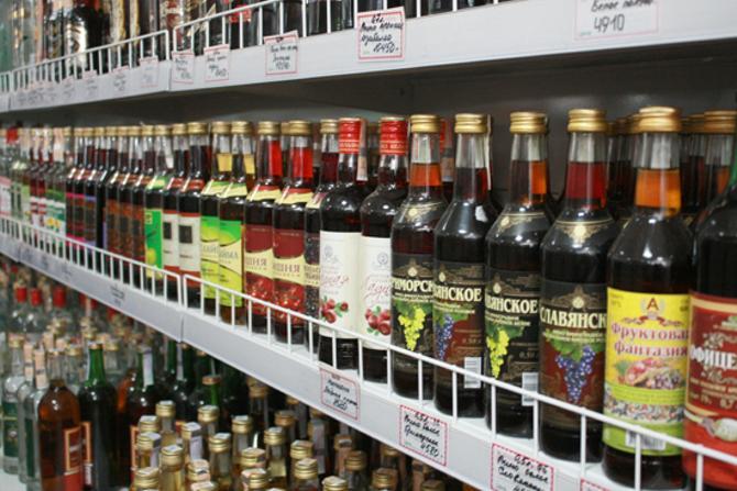 Запрет плодово-ягодных вин необходим, но пить от этого белорусы едва ли станут меньше.