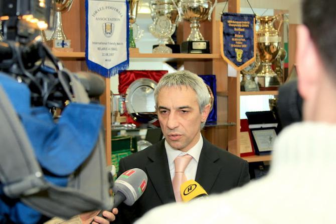 Сергей Сафарьян объясняет, почему в чемпионате сыграют 11 команд.