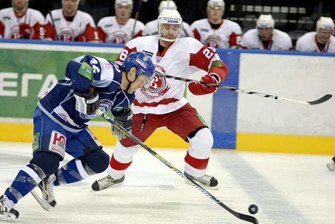 Минское «Динамо» уверенно победило «Витязь», вернувшись из Чехова целым и невредимым.
