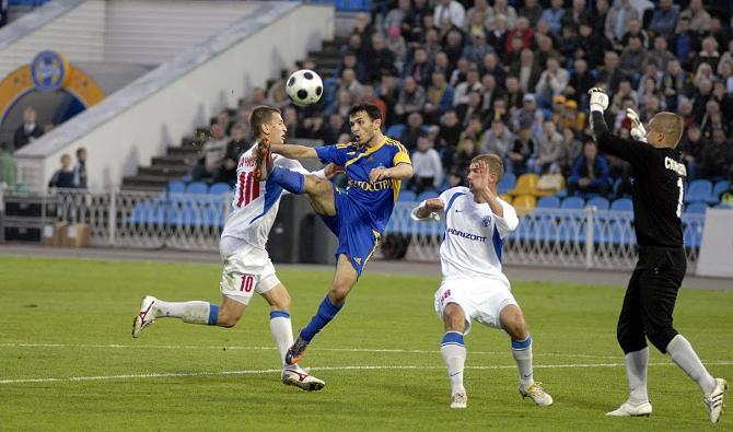Володько забивает победный гол в ворота