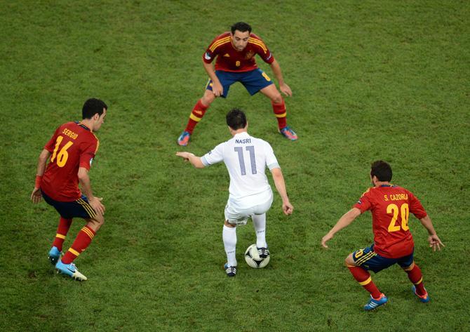 В четвертьфинале чемпионата Европы в ловушку испанцев попали французы.