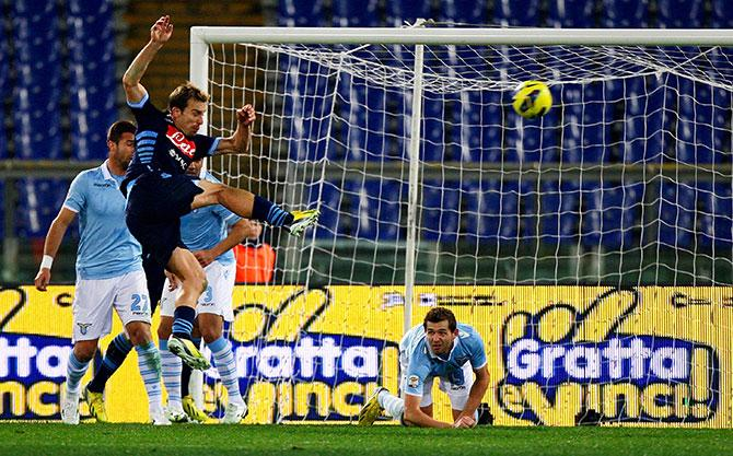 Уго Кампаньяро забивает роскошный гол «Лацио»