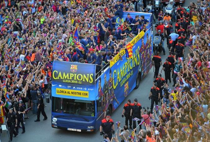 Каталонцы не нарадуются на своих любимцев