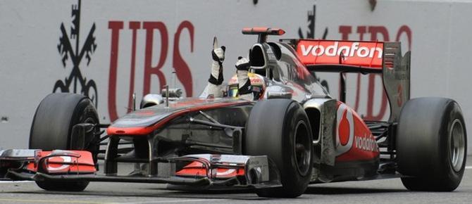 Льюис Хэмилтон стал первым, кому трасса в Шанхае покорилась дважды.