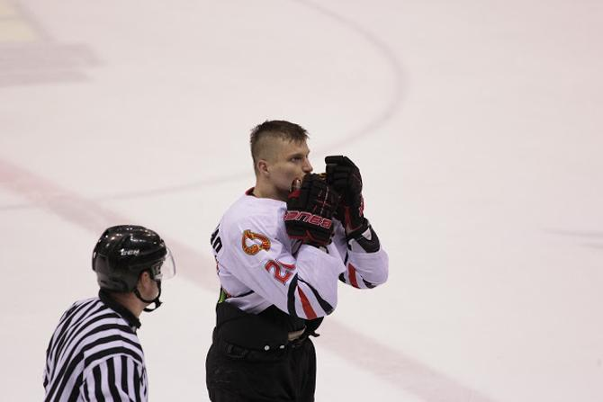 В матче с «Металлургом» Андрей Протасеня неспроста поцеловал эмблему «Гомеля»