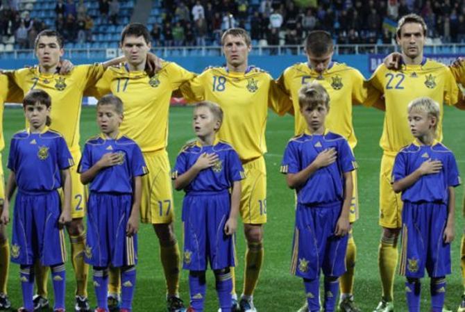 «Ще не вмерла України ні слава, ні воля»... Не все украинские игроки знают слова гимна родной страны.