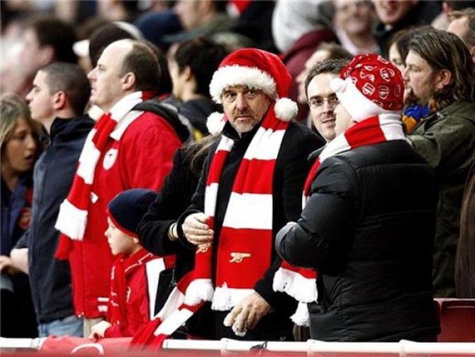 Английские футбольные фанаты на матче в Boxing Day.