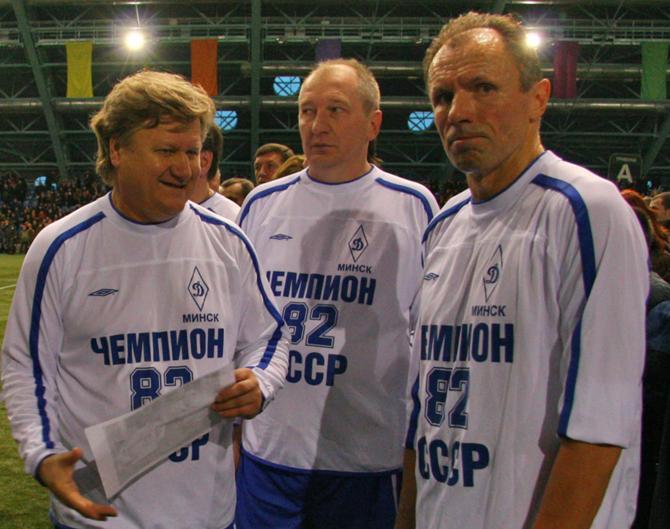 Людас Румбутис (справа) не намерен просто так отпускать белорусских игроков