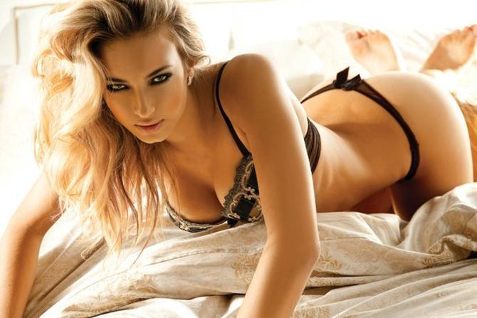 Александра Сокол какое-то время успешно совмещала  игру в футбол и модельный бизнес