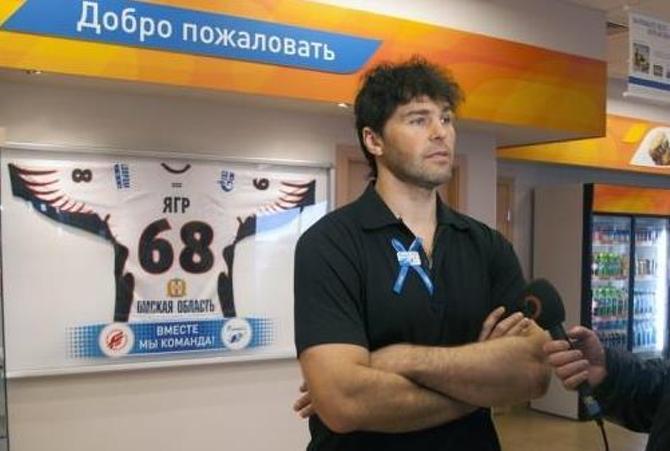 Алексей Калюжный, судя по всему, будет играть в одной тройке с легендарным чехом Яромиром Ягром.