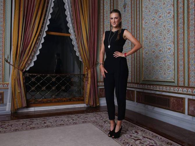 Виктория Азаренко несет не только свое личное знамя, но и всего женского тура.