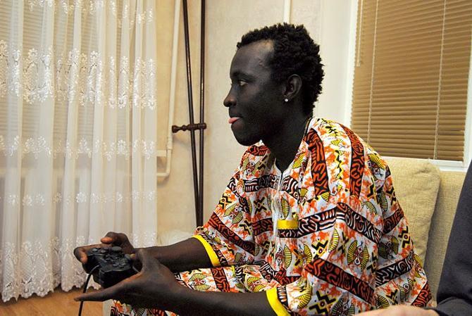 Абубакар Камара переживает, что не может выслать заработанные деньги на родину.