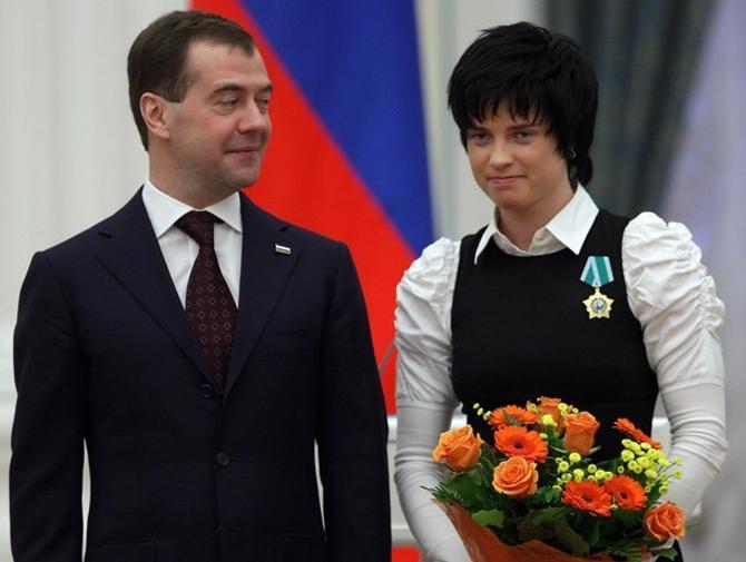 Дмитрий Медведев не скрывает восхищения Светланой Слепцовой.