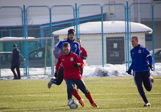 Никита Букаткин успешно интегрируется в новую команду и обозначает свое внимание к баскетболу.