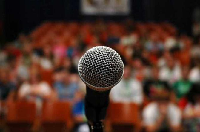 Зачастую спортсмены боятся микрофона