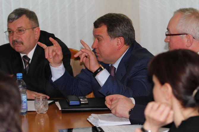 Юрий Чиж был хедлайнером заседания.