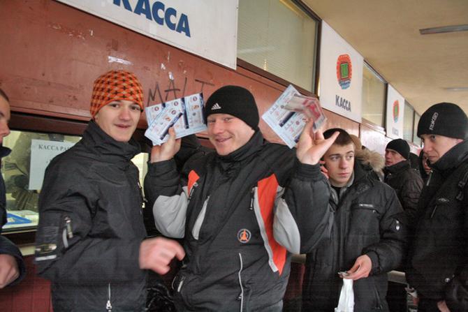 Складывается впечатление, что на абонементах белорусские клубы много не зарабатывают