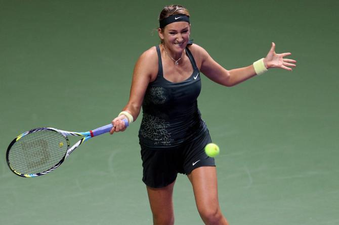 Виктория Азаренко пускай и не без приключений, но вышла в полуфинал итогового турнира