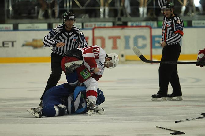 Началось все с того, что Александр Сазонов повалил и начал избивать Теему Лайне.