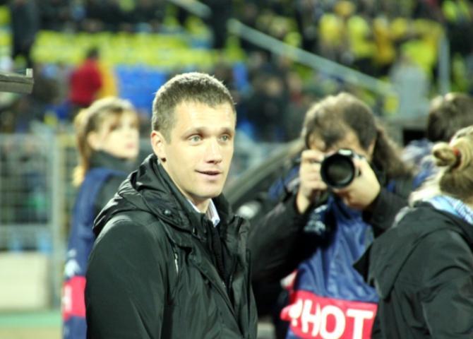 Виктор Гончаренко надеется, что поле позволит показать командам хороший футбол