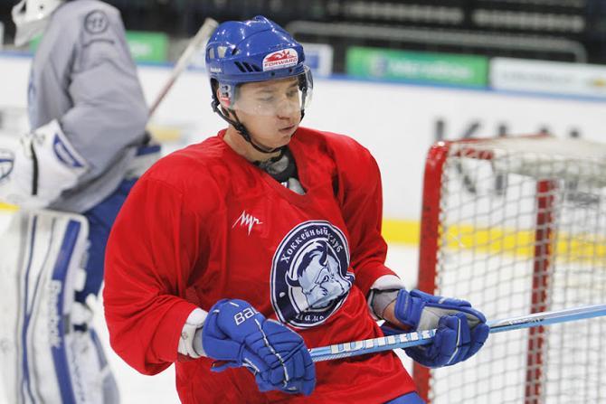 Во время международной паузы Станислав Лопачук успел поиграть за «Динамо-Шинник».