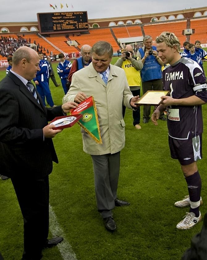 Сергей Куница (слева) и Геннадий Невыглас заинтересованы в том, чтобы болельщиков на трибунах было как можно больше